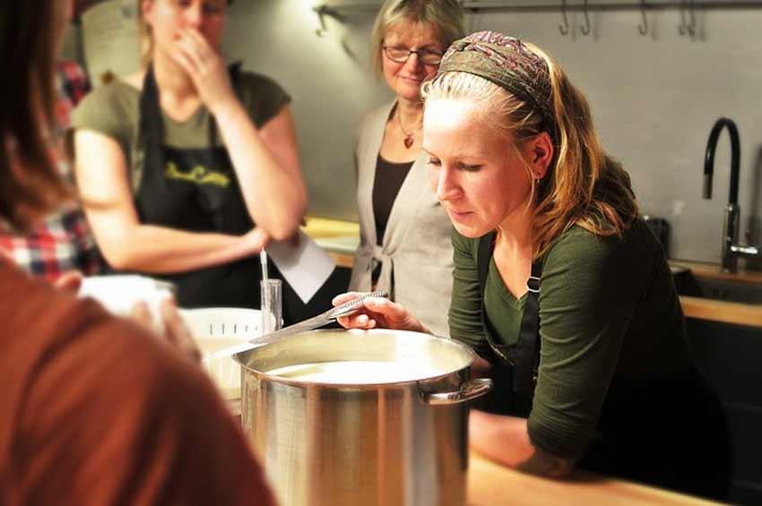 Wspólne Gotowanie Jako Sposób Na Zacieśnienie Znajomości